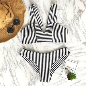 Cupshe Women's Stripe Triangle Bikini Set Size:S